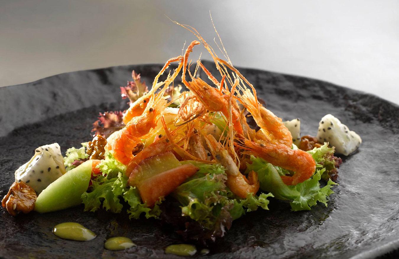 Salt-pepper-kawa-ebi-served-with-organic-farm-salad